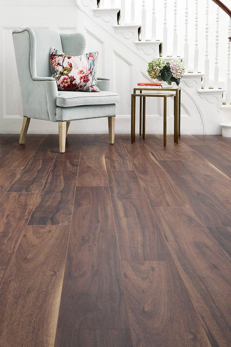 Aqualock 12mm Laminate Flooring Autumn Haze Oak has a