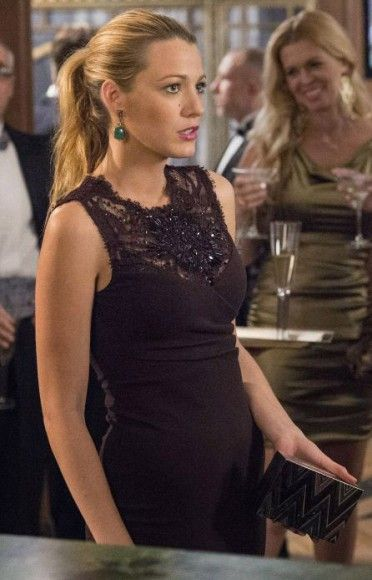 6x09. Serena's Emilio Pucci black lace top dress and chevron/zig zag clutch on Gossip Girl.  Outfit Details: http://wornontv.net/8731/ #GossipGirl