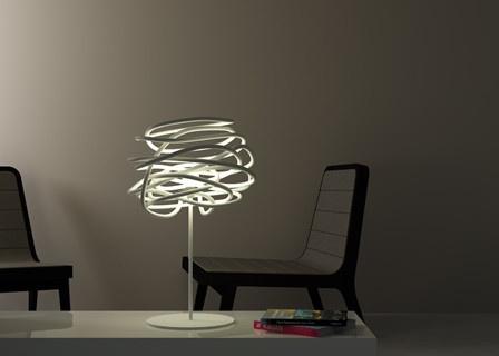 Lámpara blanca de corte moderno