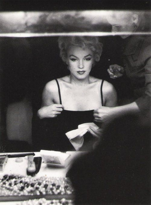 Mmmm!! No comments... | Holding back the years: Classics B&W | Pinterest | Norma jean, Marylin monroe and People