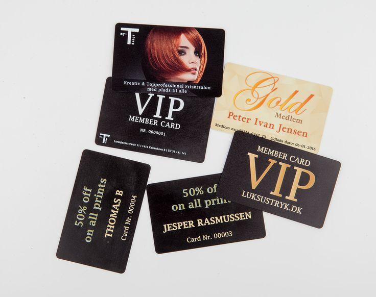 Luksus visitkort er for dig, der tør skille dig ud. For firmaet, der vil signalere stabilitet og innovation, og for den medarbejder, der ønsker en unik stedfortræder, når han ikke selv kan være til stede.
