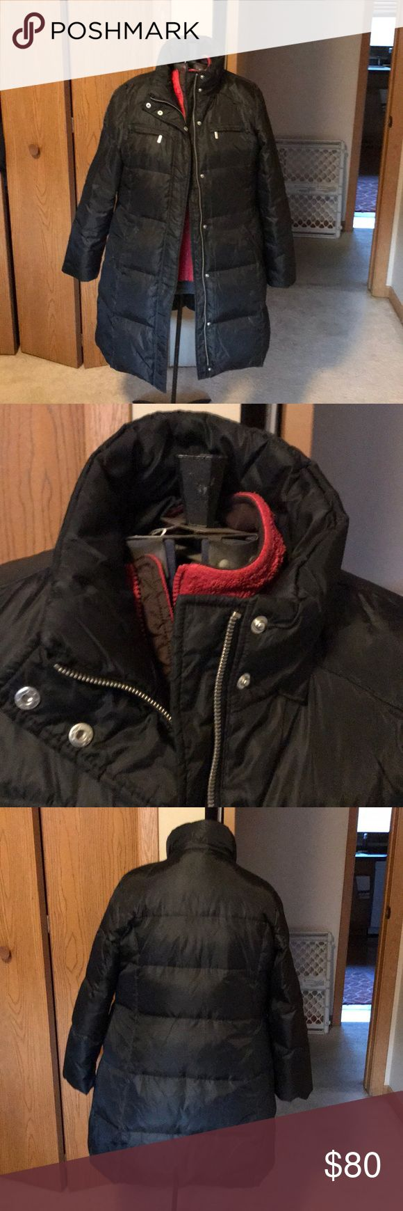 "Michael Kors black puffer coat size xl Very very gently worn Michael Kors full length zippered puffer coat size XL. Has snapped collar, 2small zippered pockets and 2 deep pockets.bottom side zippers. Measures 33"" from shoulder to hem. KORS Michael Kors Jackets & Coats Puffers"