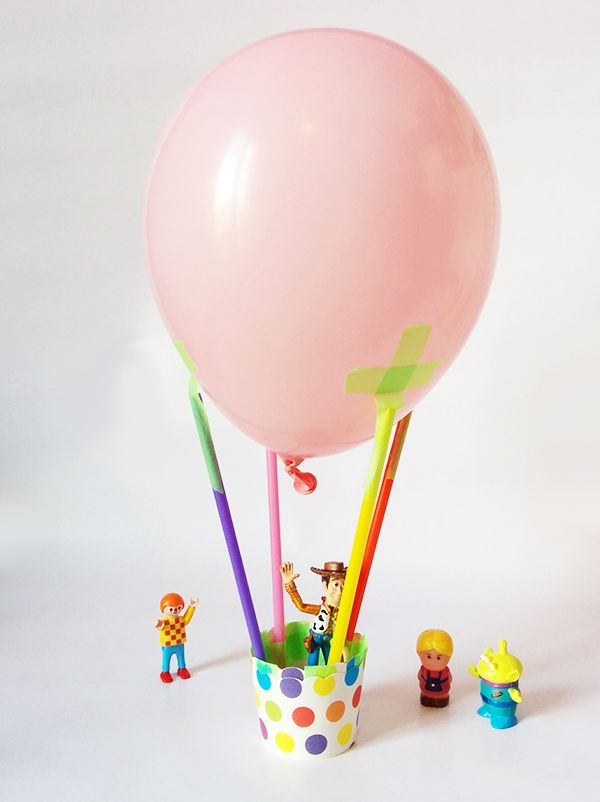 Une montgolfière pour les jouets                                                                                                                                                      Plus