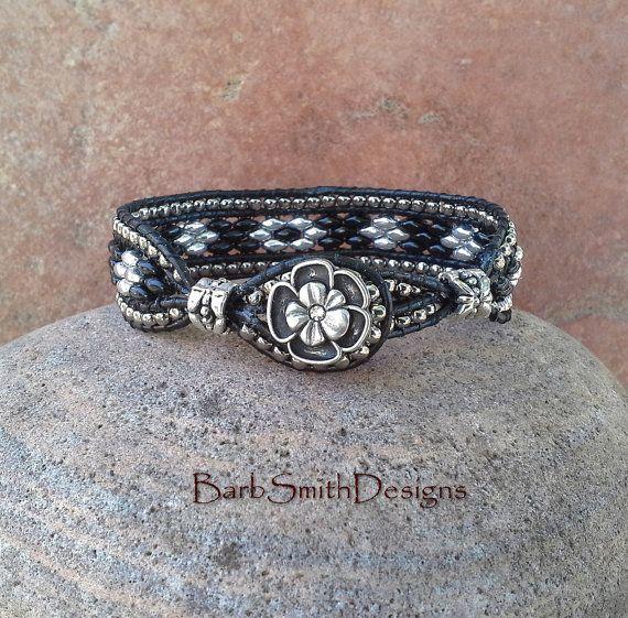 Perles dargent noir en cuir Bracelet en perles par BarbSmithDesigns