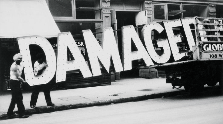 Unique Photographs by Walker Evans  Walker Evans is well known for his cliches of Alabama farmers. His social view perfectly resumed the America of 1930 the crisis and the depression. However his passion for advertising and posters is less known. Here a selection that will change your perception of his work.       #xemtvhay