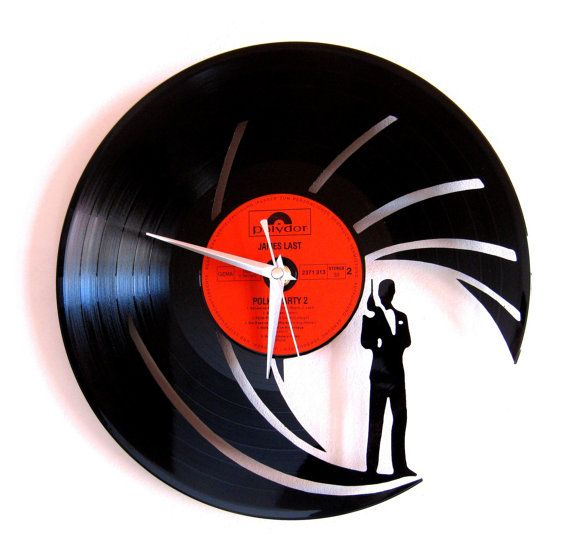 Vinyl clock james bond by Funkyvinyl on Etsy, €39.00