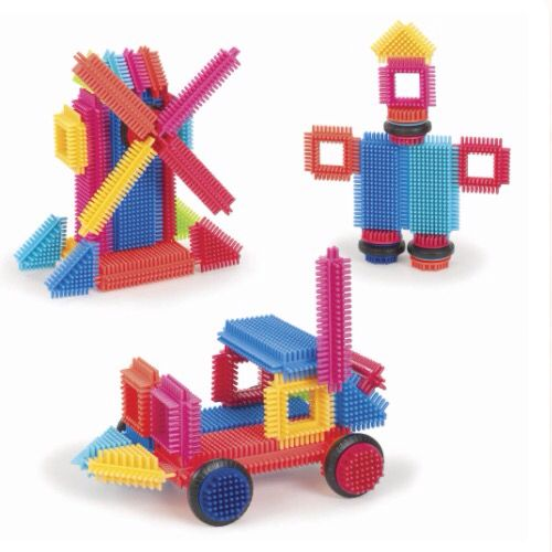 Building bristle blocks! 80s throwback! Available now from Little You Toy Shop in Barnstaple, North Devon. We specialise in battery free toys that are built to last. www.littleyoutoyshop.com