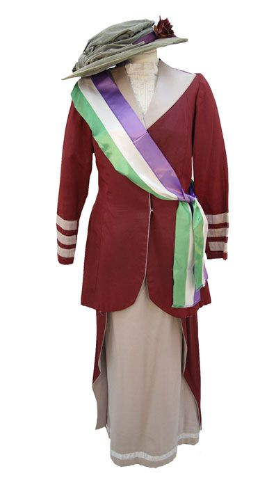 "Downton Abbey era 'militant suffragettes' in England led by Emmeline and Christabel Pankhurst sported purple, GREEN and white to show their support! American suffragettes led by ""Iron-Jawed Angel"" Alice Paul wore purple, GOLD and white!"