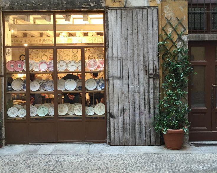 La ceramica e la bellezza. Alla scoperta del prezioso artigianato del Laboratorio Paravicini.