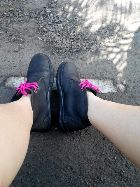 Auntie's old rustic semiboots is now with a my shocking pink touch and seems not that trashy anymore. Ive  washed it yesterday and so excited hahaha