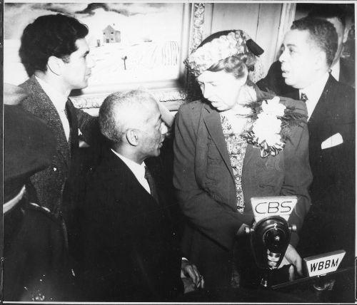 Eleanor Roosevelt at dedication of South Side Chicago Art Center, 5/7/1941