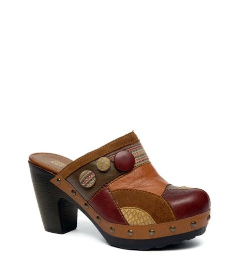 Vintagelook clogs from www.betashoes.com