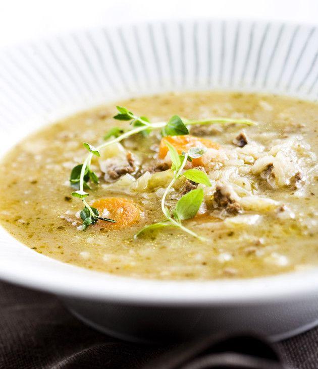 KEITTOIHIN: Hapankaalikeitto - Hapankaali sopii hyvin erilaisiin keittoihin