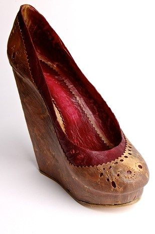 Imagine growing your own shoes and furniture? a design-led biomaterial revolution (Wired UK)