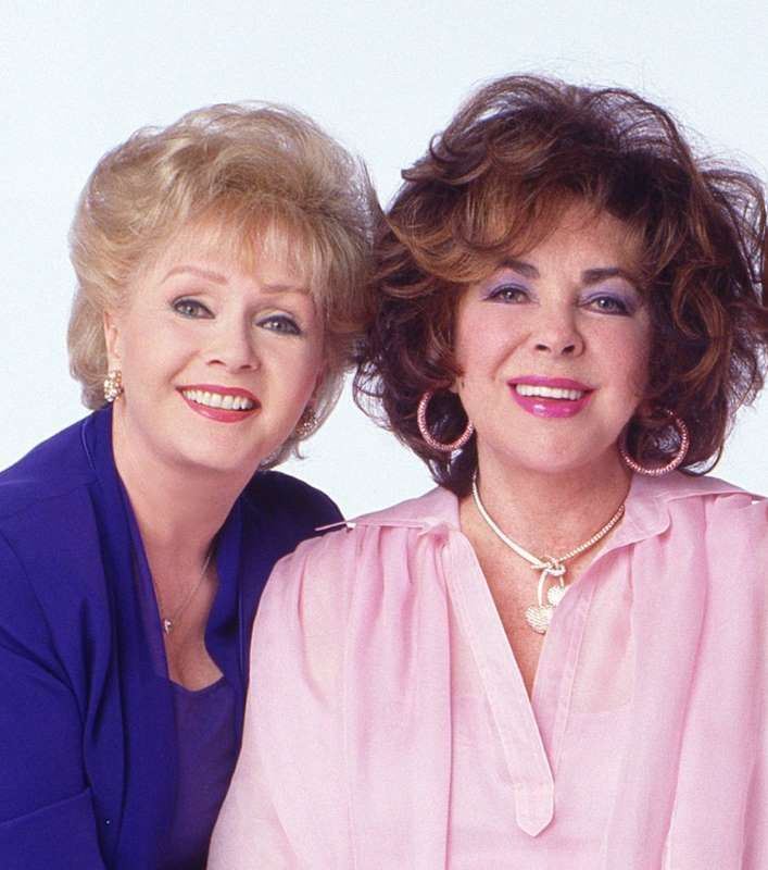 Debbie Reynolds and Elizabeth Taylor in 2000 posing for 'These Old Broads'