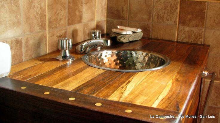 Mueble para bano con madera reciclada for Muebles de bano rusticos baratos