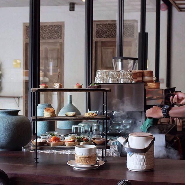Our sweet and savoury delicacies will sort you out after day's excursion around Ubud town, The Afternoon Treats would be perfect for your down-time at The Library Café. Your daily peace and quiet starts from 4 to 5 pm. Enjoy. . . . . . #bismaeight #luxury #boutiquehotel #ubud #bali #hotel #bestnewhotel #ubudhotel #ubudbali #library #cafe