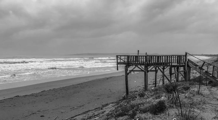 Ένα μπαλκόνι στη θάλασσα . . .