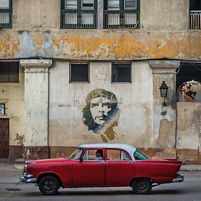 La Habana Cuba - Che La Habana Vieja; Che doing what he does best these days (other than selling t-shirts posters and key chains) keeping watch over Cuba from countless different locations and in countless different ways/shapes/forms ... I swear I'd love to do a photo book one day of all the different representations (murals signs monuments statutes etc.) of Che in Cuba (along with their stories/locations) but I'm afraid it would take me 100 years to track them all down  Outside of North…
