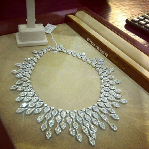 Diamond necklace Fit for a Queen