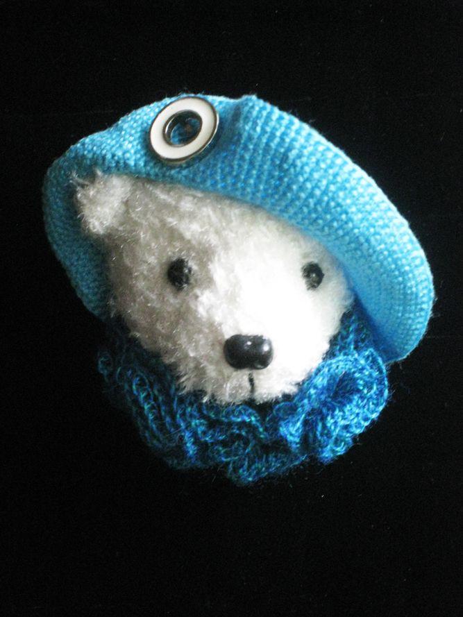 Crochet brooch from Tanya Borisova
