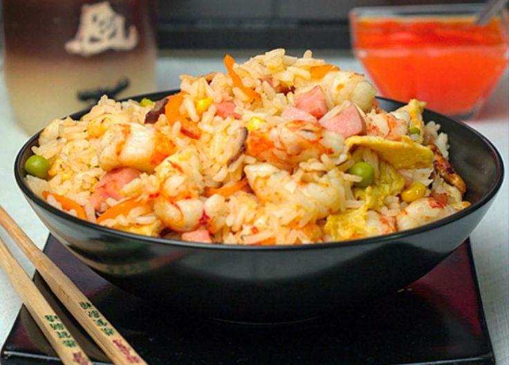 Arroz tres delicias casero: http://arroz-tres-delicias-casero.recetascomidas.com/