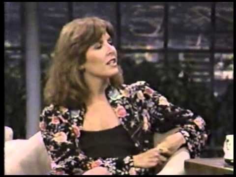 [Video] Johnny Carson interviews Carrie Fisher on The Tonight Show. Her first appearance. Promoting Return of the Jedi. (9:27)