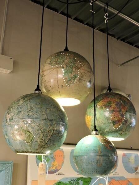 Het is geen foto van mezelf, maar wat een leuk idee voor de creatievelingen onder ons. Eenvoudig te maken, met een wereldbol tover je zo een nieuwe lamp in elkaar.