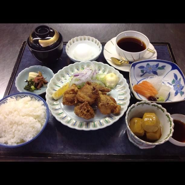 2014/05/05-09 鶏の唐揚げ 定食 ¥1000 at 日本料理 八幸 http://www.hachiko73.co.jp
