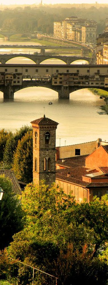 Bridges over Arno River in Florence - Tuscany   Italy