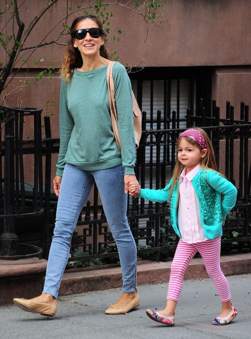 Sarah+Jessica+Parker+&+Twins:+A+Spring+In+Their+Steps