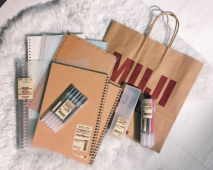 """briellestudies: """"finally decided on jump on that muji stationery bandwagon and see what all the hype is about, so i picked up some school supplies for the upcoming quarter: - binder, loose leaf paper, pockets, and dividers (size B5) - notebook x2..."""