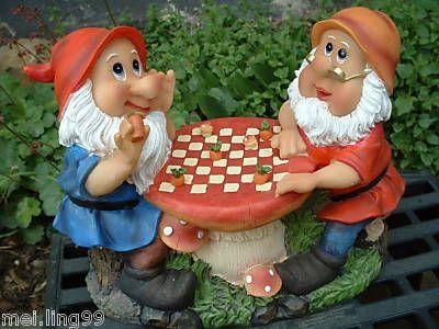 Zwergensonntagsentspannung beim Spiel...