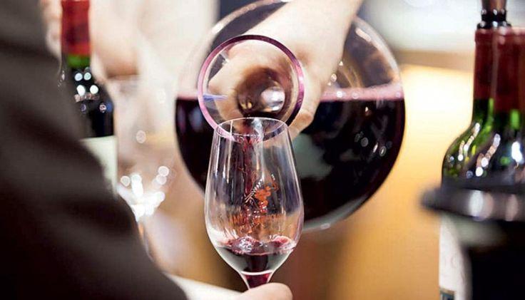 Σε αυτό το δεύτερο μέρος, ο Σίμος Γεωργόπουλος γράφει για τα ροζέ, ερυθρά και επιδόρπια κρασιά που ξεχώρισε στο φετινό Οινόραμα.