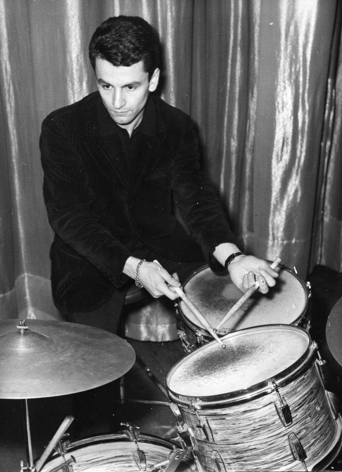 """Un giovanissimo Vittorio Biagi nel 1963 durante le prove del Balletto di Maurice Bejart """"Divertimento""""come esecutore e compositore delle musiche.Bruxelles"""