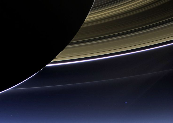 Book Ringed Giant Saturn