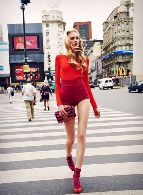 Red Short | Street Style: Fashion, Inspiration, Editorial, Hot Pants, Street Style, Red Red, Red Hot