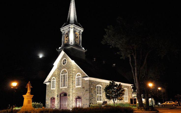 Église Cap Rouge Location: Quebec, Canada Architect: CCNQ Lighting Design: Guy Simard Engineer: Roche