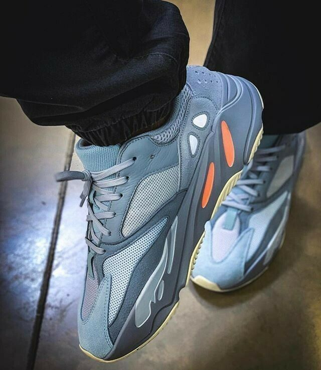 DS-ADIDAS Yeezy Boost 700 INERTIA Size