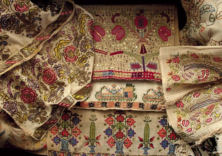 Turkish traditional needlework embroidery samples (http://enguncelorgu.blogcu.com/geleneksel-el-sanatlarimiza-sahip-cikalim/10502225)