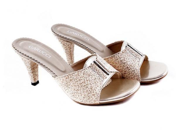 Sandal tumit GKD 4205 di DHITA GROSIR
