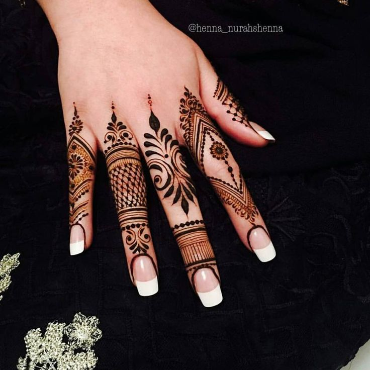 Booking for henna services,, Call / whatsapp:0528110862,,Party, Regular , Bridal henna available,, Al Ain, UAE
