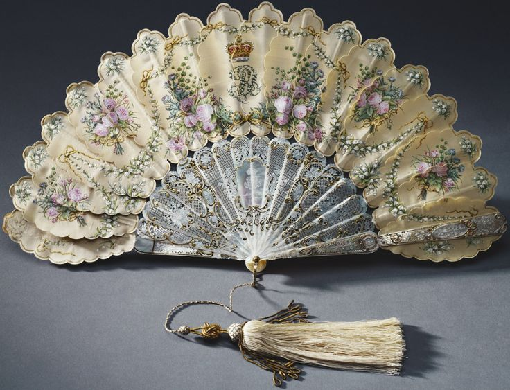 1858  Fan presented to Queen Victoria by Prince Albert on her 39th birthday. May 1858.