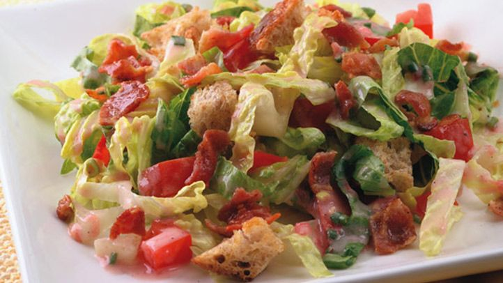 Time to break out of your salad rut! Here's one that takes minutes to prepare but blends delicious ingredients together for a meal that's restaurant-quality but foolproof – and plenty satisfying. The crumbled bacon adds so much succulent flavor that you feel like you're indulging, but this dish clocks in at only 151 calories per