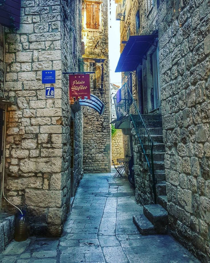Getting lost of these streets . . #Trogir . . #architecture #iseeplaces #travelphotography  #worldinmotion #allaroundtheworld #postcardsfromtheworld #discoverearth #arountheworld #worldplaces #travelling #traveltheworld #travelphoto #picoftheday #oldtown #photography #instagram #instagood #instavacation #like4like #l4l #followforfollow #igerscroatia #street #streetphotography #streetphotos