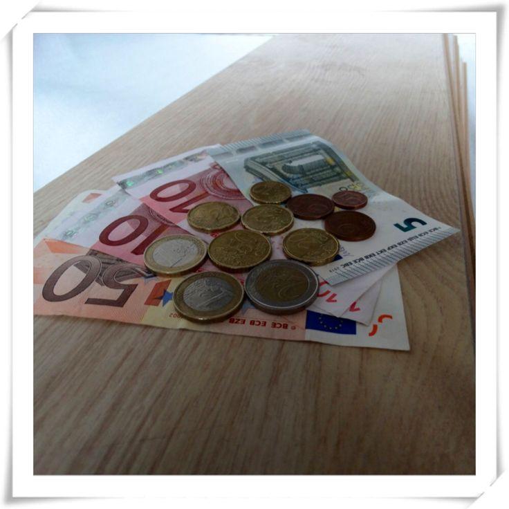 Eén van onze Zweedse puzzelaars wordt voor het blindstaren beloond...  *TROMGEROFFEL*  Het juiste antwoord is €80,31!  Joyce Komen, gefeliciteerd en veel shopplezier!