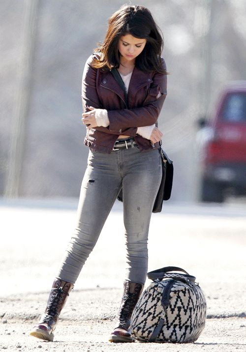 "Selena Gomez on the set of ""The Revised Fundamentals of Caregiving"" in Atlanta on January 28, 2015    8      5"