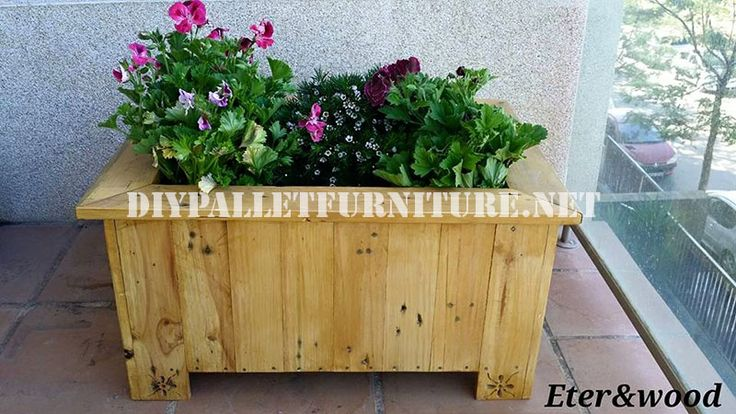 Large outdoor pallet planter