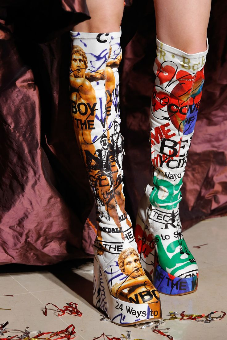 Vivienne Westwood Fall 2015 Ready-to-Wear Fashion Show: (Details)