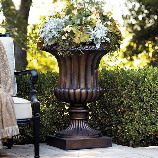 Classical Tuscany Urn